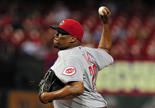 Aug 19, 2014; St. Louis, MO, USA; Cincinnati Reds relief pitcher Jumbo Diaz (70) throws to a St. Louis Cardinals batter during the eighth inning at Busch Stadium. The Cardinals defeated the Reds 5-4. Mandatory Credit: Jeff Curry-USA TODAY Sports