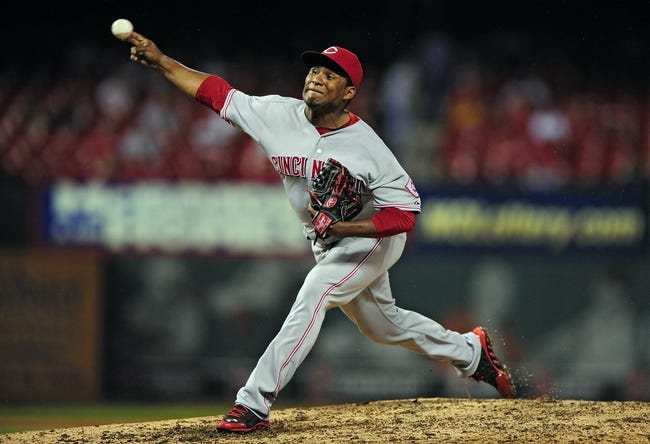 Aug 20, 2014; St. Louis, MO, USA; Cincinnati Reds relief pitcher Carlos Contreras (53) throws to a St. Louis Cardinals batter during the eighth inning at Busch Stadium. The Cardinals defeated the Reds 7-3. Mandatory Credit: Jeff Curry-USA TODAY Sports