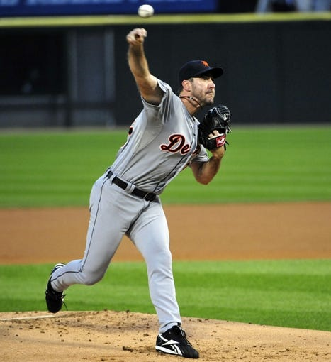 Aug 29, 2014; Chicago, IL, USA; Detroit Tigers starting pitcher Justin Verlander (35) throws against the Chicago White Sox during the first inning at U.S Cellular Field. Mandatory Credit: David Banks-USA TODAY Sports