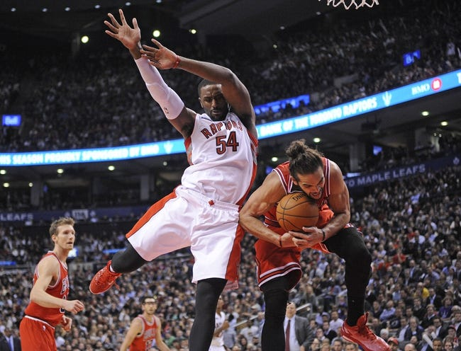 Nov 13, 2014; Toronto, Ontario, CAN; Chicago Bulls center ...