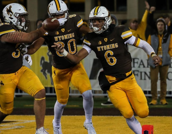 Wyoming vs. Texas State - 9/30/17 College Football Pick, Odds, and Prediction