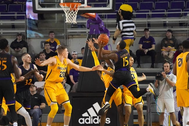 NCAA BB | East Carolina at Wichita State