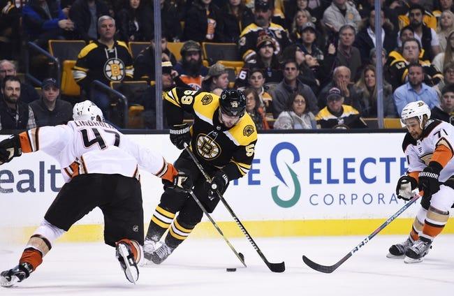 NHL | Anaheim Ducks (19-12-5) at Boston Bruins (18-12-4)