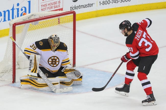 NHL | New Jersey Devils (12-16-7) at Boston Bruins (20-13-4)