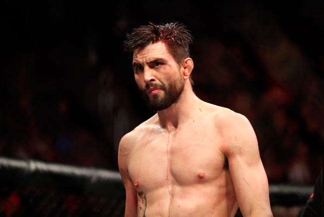 MMA   Michael Chiesa vs. Carlos Condit