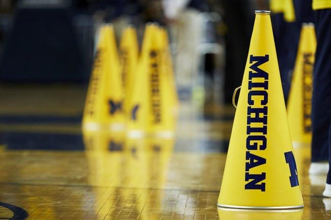 NCAA BB | Michigan Wolverines (8-0) at Northwestern Wildcats (6-2)