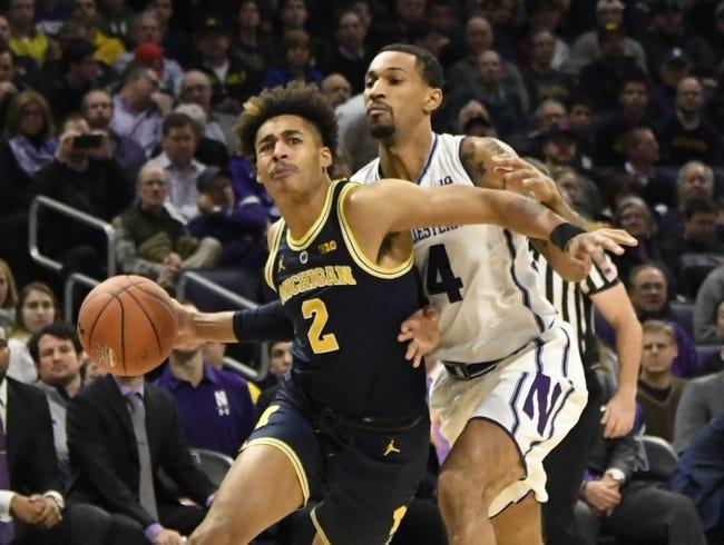NCAA BB | South Carolina Gamecocks (4-4) at Michigan Wolverines (9-0)