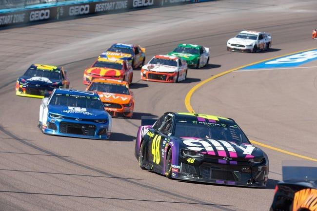 Auto Club 400: NASCAR Preview, Odds, Pick, Predictions, Dark