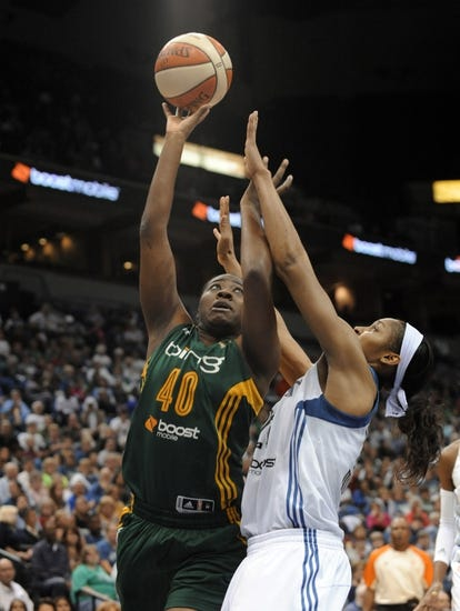New York Liberty vs. Connecticut Sun - 8/29/15 WNBA Pick, Odds, and Prediction