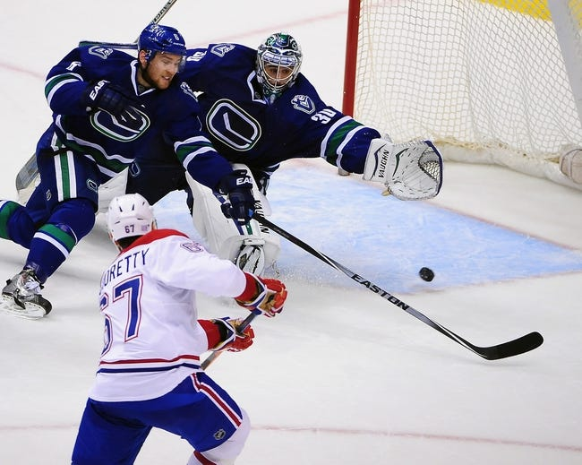 NHL | Vancouver Canucks (18-8-2) at Montreal Canadiens (17-10-2)