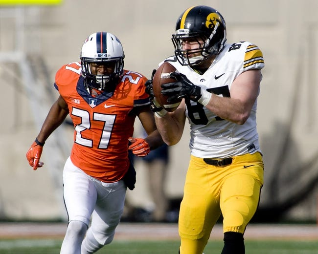 Illinois Fighting Illini vs. Iowa Hawkeyes - 10/10/15 College Football Pick, Odds, and Prediction