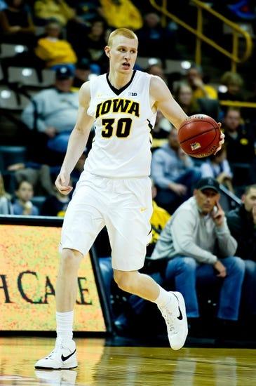 Iowa vs. Pepperdine - 11/24/14 College Basketball Pick, Odds, and Prediction