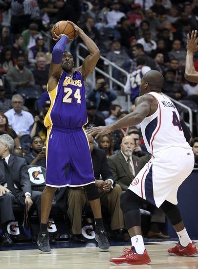 Lakers at Hawks - 12/4/15 NBA Pick, Odds, and Prediction