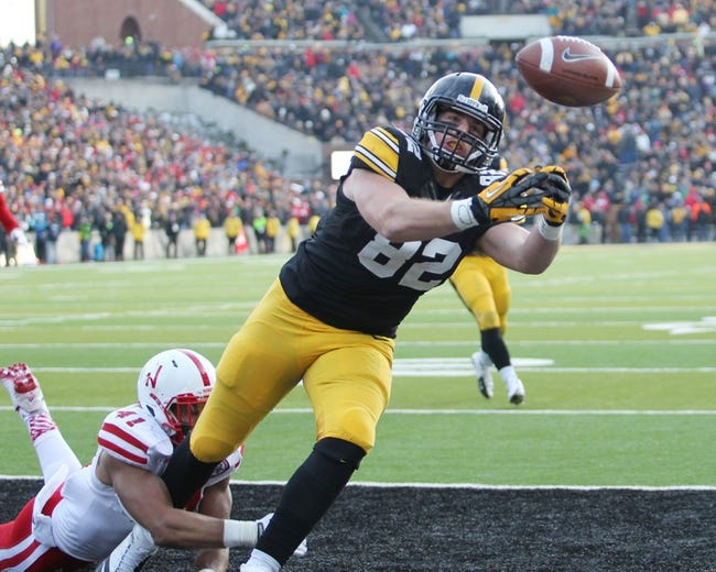 Iowa vs. Tennessee Taxslayer Bowl - 1/2/15 College Football Pick, Odds, and Prediction
