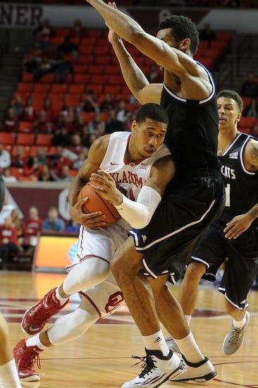 Weber State Wildcats vs. Northern Arizona Lumberjacks - 1/28/16 College Basketball Pick, Odds, and Prediction