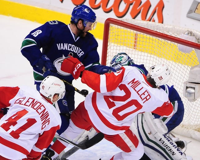 Vancouver Canucks vs. Detroit Red Wings - 10/24/15 NHL Pick, Odds, and Prediction