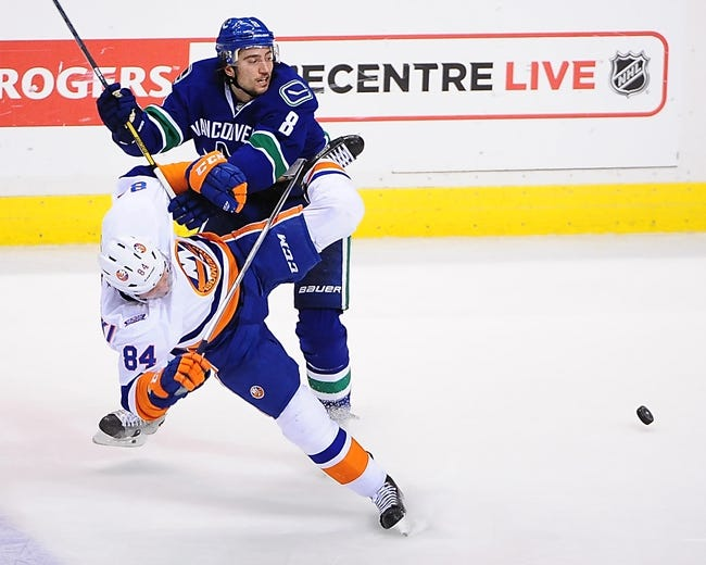 NHL | Vancouver Canucks (33-22-3) at New York Islanders (39-19-2)