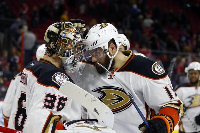 Carolina Hurricanes vs. Anaheim Ducks - 11/16/15 NHL Pick, Odds, and Prediction