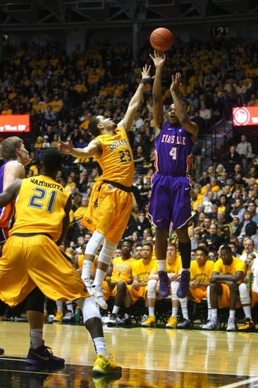 Evansville vs. Wichita State - 1/31/16 College Basketball Pick, Odds, and Prediction