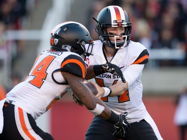 Oregon State Beavers vs. Washington Huskies - 11/21/15 College Football Pick, Odds, and Prediction
