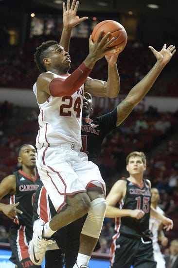 Oklahoma Sooners vs. Wisconsin Badgers - 11/29/15 College Basketball Pick, Odds, and Prediction