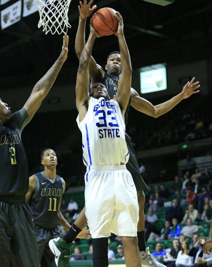 Texas-Arlington Mavericks vs. Georgia State Panthers - 12/30/15 College Basketball Pick, Odds, and Prediction