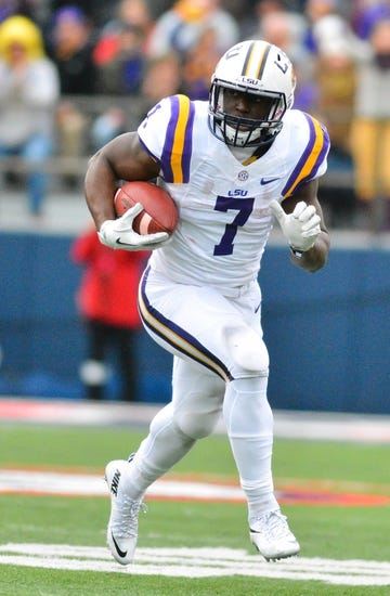 Advocare V100 Texas Bowl - Texas Tech Red Raiders vs. LSU Tigers - 12/29/15 College Football Pick, Odds, and Prediction