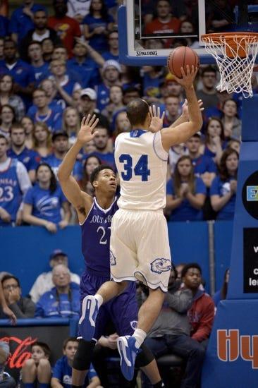 Kansas Jayhawks vs. Montana Grizzlies - 12/19/15 College Basketball Pick, Odds, and Prediction