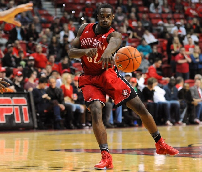 Oral Roberts Golden Eagles vs. South Dakota Coyotes - 1/3/16 College Basketball Pick, Odds, and Prediction