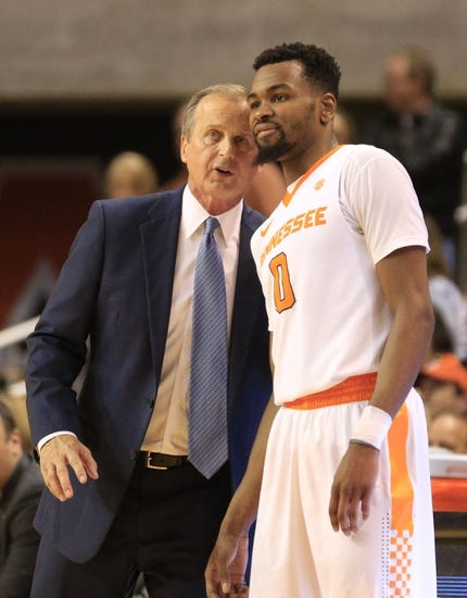 Tennessee vs. Florida - 1/6/16 College Basketball Pick, Odds, and Prediction