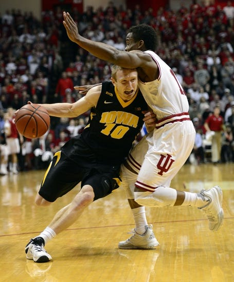 Iowa Hawkeyes vs. Indiana Hoosiers - 3/1/16 College Basketball Pick, Odds, and Prediction