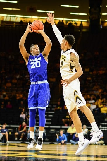 Florida Gators vs. Seton Hall Pirates - 11/24/16 College Basketball Pick, Odds, and Prediction