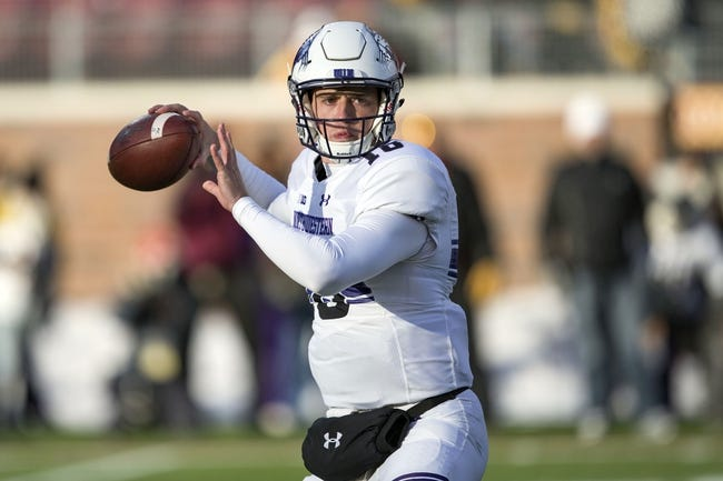 Northwestern vs. Illinois - 11/26/16 College Football Pick, Odds, and Prediction