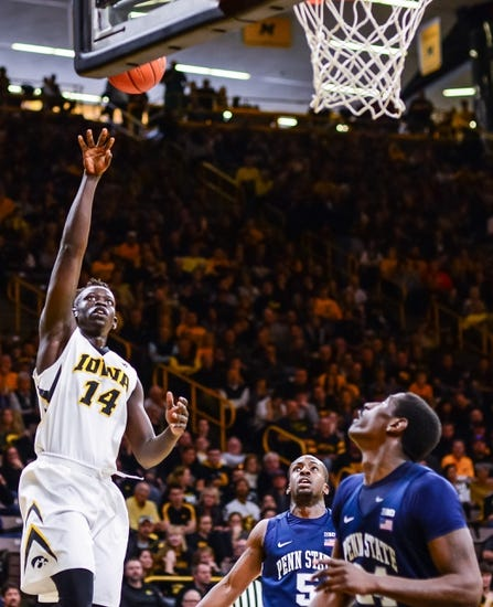 Young Hawkeyes earn top seed, draw South Dakota in NIT opener