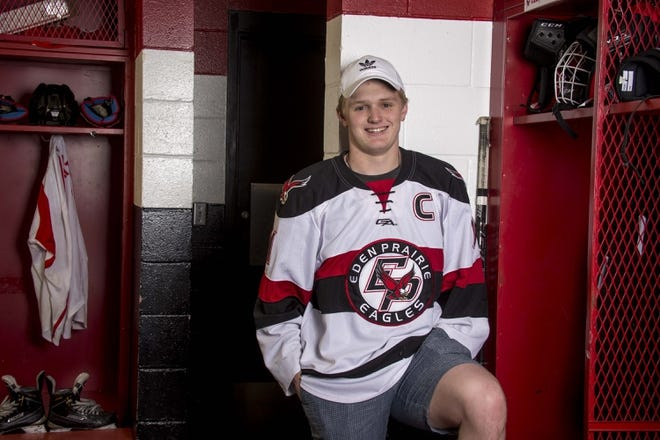 H.S.: ALL-USA Boys Hockey Player Of The Year - Casey Mittelstadt, Eden Prairie, MN